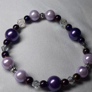 "Lrg 8"" purple beaded stretch bracelet"